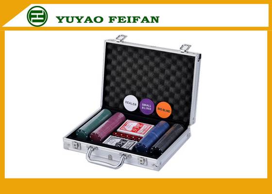 China Travel Promotional 200 pcs 4G Poker Chips Sets With Aluminum Case supplier