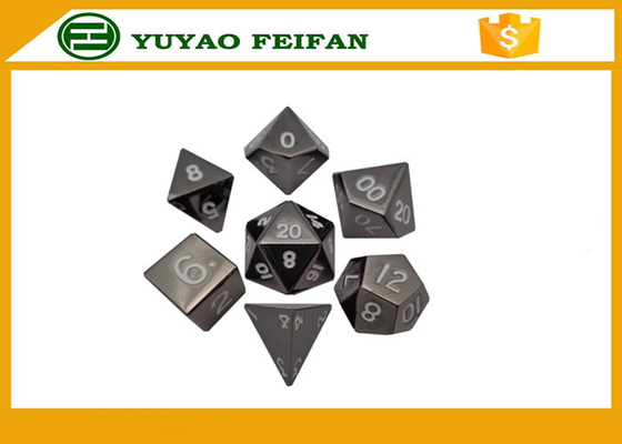 China Custom Black Polyhedral RPG 7 Pcs 6 Sided Dice Sets 16-22mm distributor